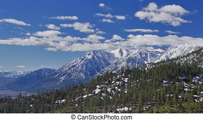Sierra-Nevada mountains - Panoramic time-lapse of mountains...