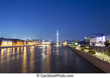 Moskow (Moskva) River embankment and the Piter the Thirst...
