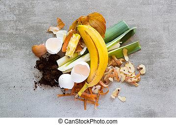 Organic waste to make compost - Organic waste, food and home...