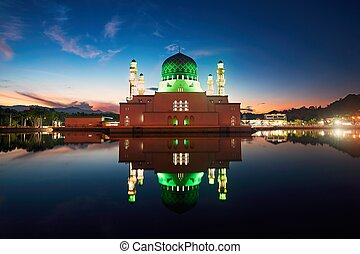 Kota Kinabalu Mosque at dawn - Reflection of Kota Kinabalu...
