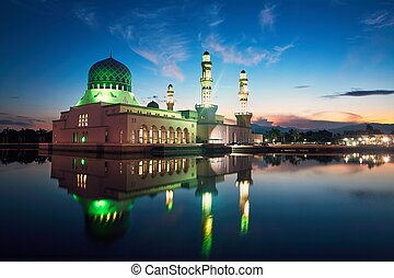 Kota Kinabalu Mosque at dawn - Reflection of Kota Kinabalu...