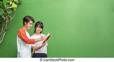 adolescente, biblioteca, Educação, espaço, estudantes, estudar, dois, junto, exposição, montagem, verde, desenho, anunciar, conceito, licença, desenho, bandeira, ou, parede, Asiático