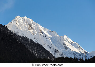 snow capped mountains - the snow capped mountains in bome ,...