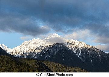 snow capped mountains - the snow capped mountains in bone ,...