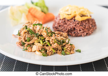 Spicy minced pork salad with berry rice - healthy food