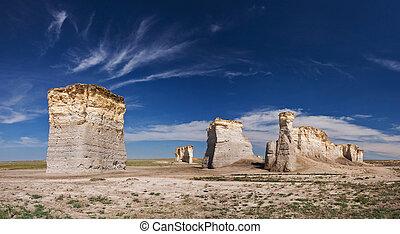 Monument Rocks KS - Monument Rocks imestones in Kansas