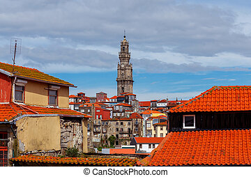 Porto. Tower Torre dos Clerigush. - Torre dos Clerigos in...
