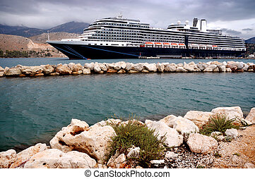 Cruiser - Cruise ship in port - Kefalonia, Greece