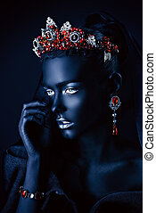 black queen in diadem - Jewelry industry. Fashion portrait...