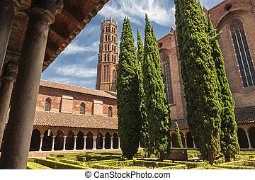 Jacobin Convent in Toulouse - Cloisters and Courtyard Garden...