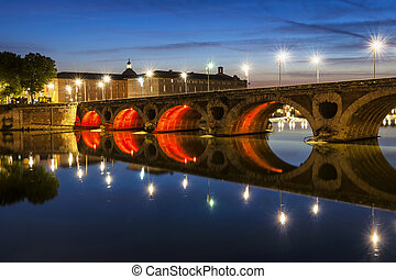 Pont Neuf in Toulouse - Evening view of historic Pont Neuf...