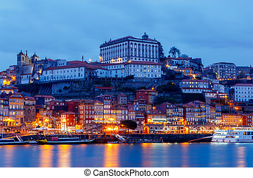 Porto. Quay at night. - A view of the Ribeira embankment in...