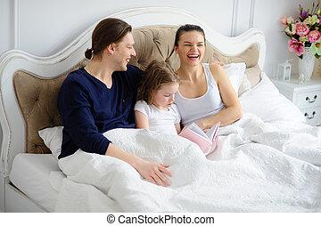 父母, 很少, 女儿, 閱讀, 書