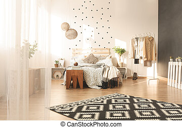 Spacious bedroom with carpet - Spacious cozy bedroom with...