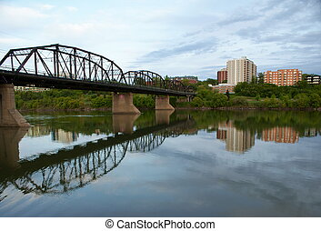 1907 Victoria Traffic Bridge in Saskatoon, Sk, CA - Short...