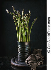 Bundle of young green asparagus - Bundle of young raw...