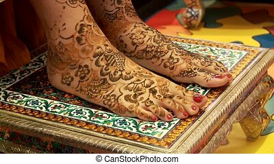 Henna Evening, India - Indian Wedding - Henna On Feet