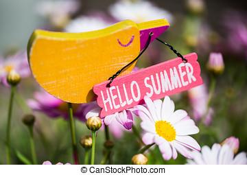 Hello Summer, decoration bird in Margeriten