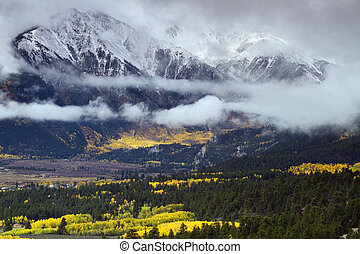 Autumn at the Collegiate Peaks near Twin Lakes in central...