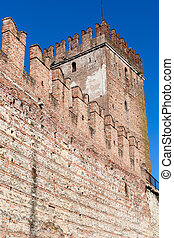 wall and tower of Castelvecchio (Scaliger) Castel - travel...