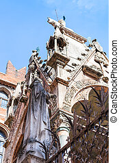 gothic style arche scaligere (scalige tombs) - travel to...