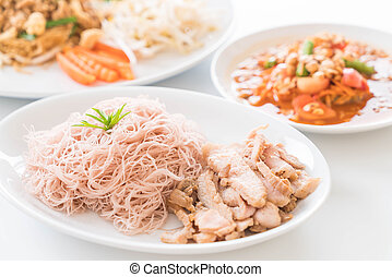 whole wheat noodle with roast pork and som tum