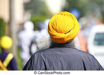 sikh man with turban and long white beard
