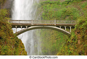 Multnomah Falls bridge in Oregon USA