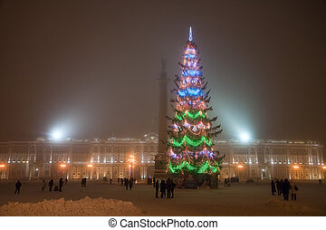 Christmas at Palace square in Saint-Petersburg - The Fog and...
