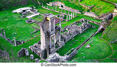 Volterra, roman theatre ruins. Tuscany, Italy. - Volterra,...
