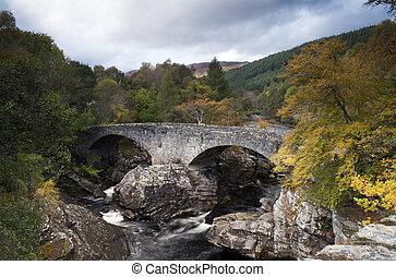 Old Invermoriston Bridge - The Falls and Old Invermoriston...