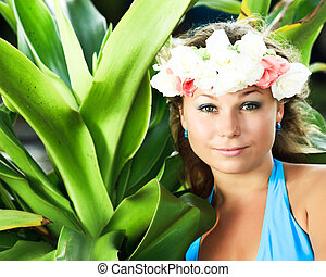 Summer woman - Portrait of a smiling young woman with...