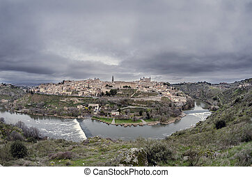 Toledo (Spanish: [to?leðo]) is a city and municipality...