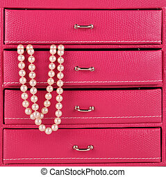 pearls in jewelry box - pink jewelry box and pearls