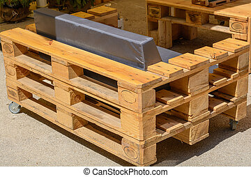 Pallet furniture, furniture made of solid wood - Upcycling -...