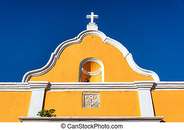 Yellow Colonial Architecture - Beautiful yellow colonial...