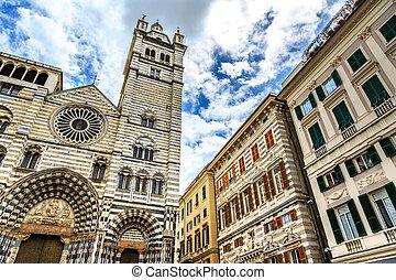 Cattedrale di San Lorenzo in Genoa center
