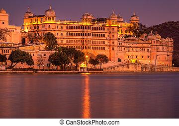 Lake Pichola Rajasthan - Long exposure lake Pichola and Taj...