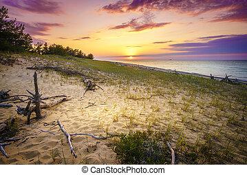 Sunset on Lake Superior - Sunset on the beach of Lake...