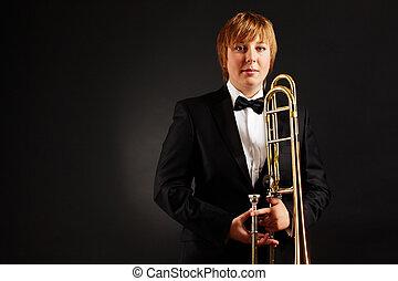 hembra, trombón