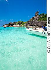 Beautiful sea and blue sky at Similan island, Andaman sea,...