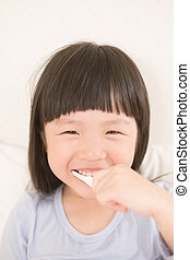 2UTE, 女孩, 刷子, 牙齒