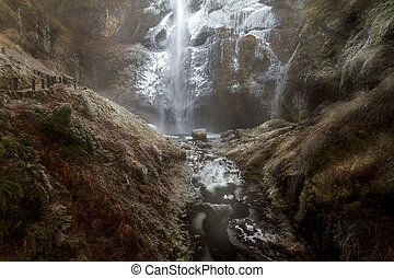 Winter Freeze at Multnomah Falls in Columbia River Gorge