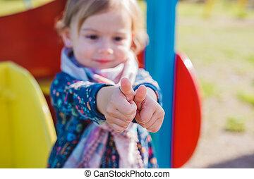 提示, の上, 親指, 子供, 女の子, 幸せ
