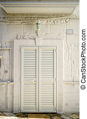 Entrance door with shutters to southern house - Entrance...