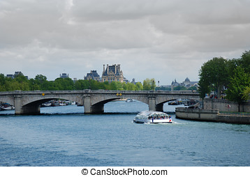 Pont de la Concorde. Paris - View at Pont de la Concorde...