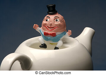 Humpty Dumpty - Humpty Dumty on a tea pot