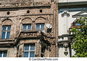 old building facade, Berlin - old building facade - damaged...