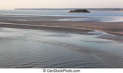 Water rising tide time lapse on Le Mont Saint-Michel