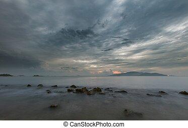 Nha Trang Bay Moody Morning Sky Vietnam - A moody morning...